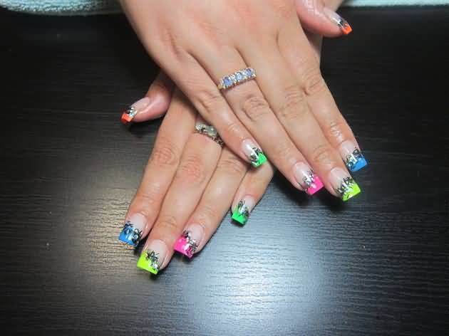 Chic French Tips Nail Fashion for Trendy Girls