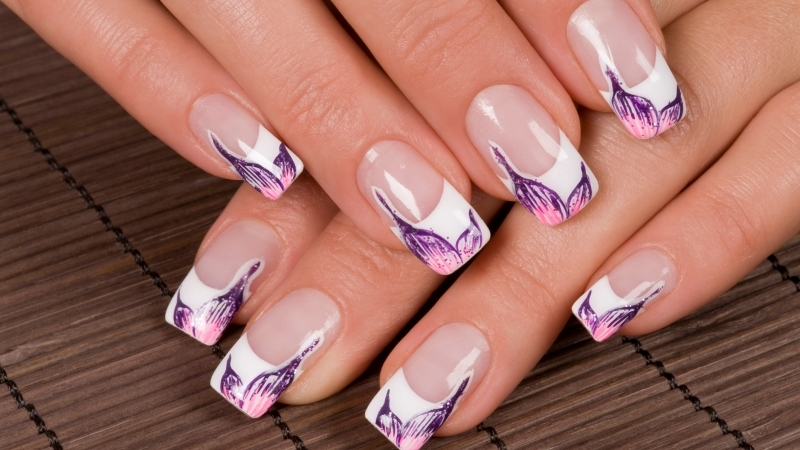 8 Timeless French Tips Nail Art Designs for Young Girls