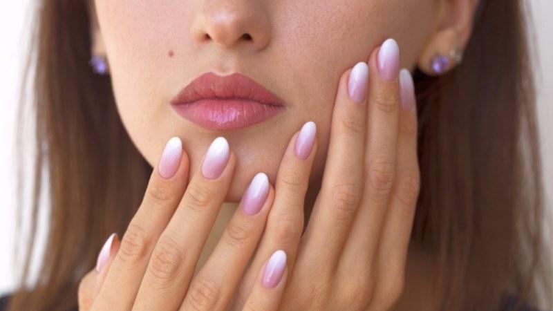 Latest Fashion Omber Nails Art for Trendy Girls